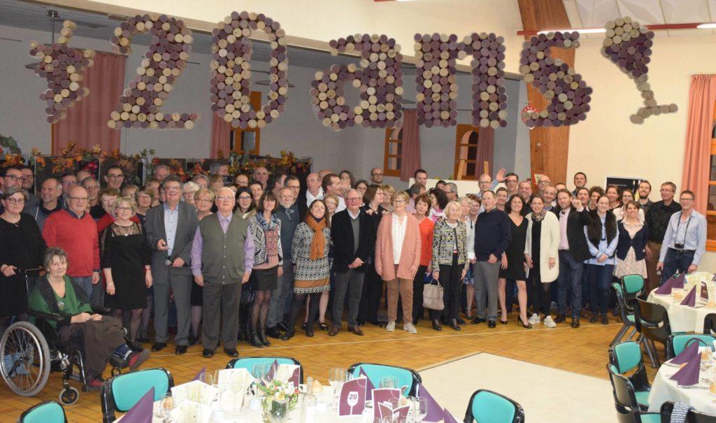 Les participants au repas des 20Ans de l Oenologie de l AFLEC.