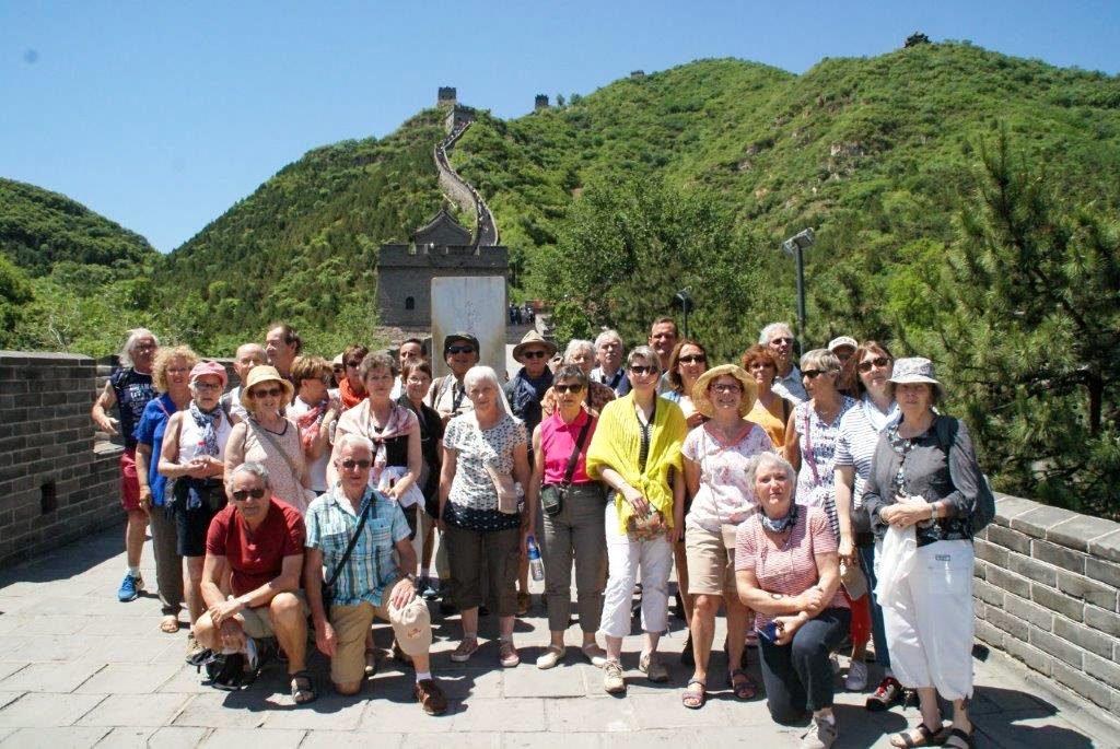 Le groupe devant la muraille de Chine
